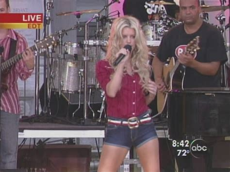 Live Performance Music Videos: Jessica Simpson - These