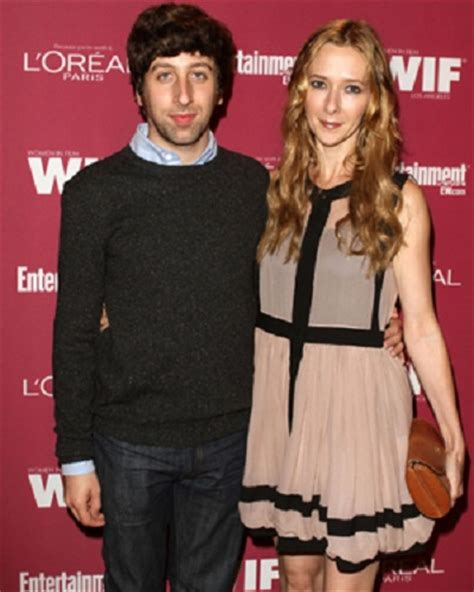 Awarded with successful career, Simon Helberg and his wife
