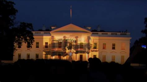 Russian tanks on White House? Students protest Obama V-Day