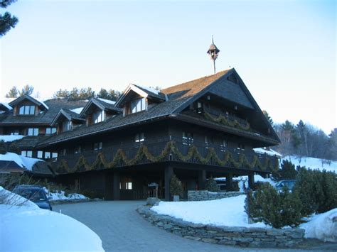 File:2004-02-25 - 16 - Von Trapp Family Lodge, Stowe