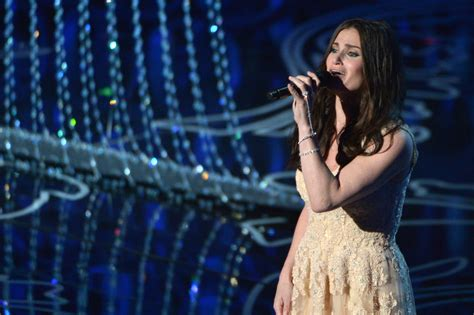 'Wickedly' talented Idina Menzel ready to 'Let It Go' at